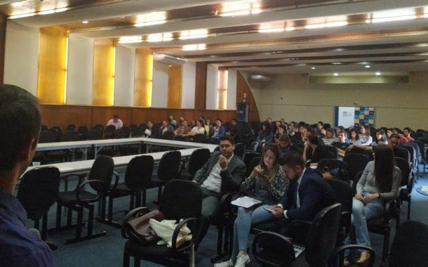 Em assembleia, TAEs da Unila apresentam proposta para ponto eletrônico